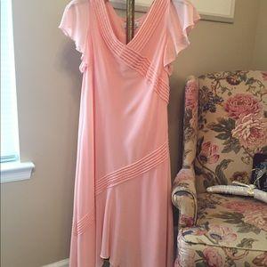 Adrianna Papell Peach Flowy Cocktail Dress